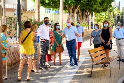 El alcalde 'chequea' el barrio de San Félix junto a los vecinos