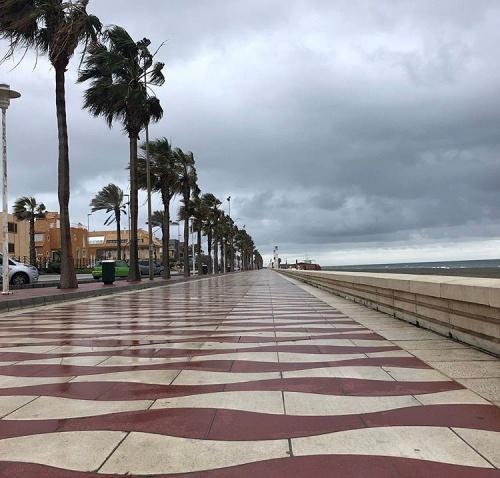 El Ayuntamiento abre las playas a los niños y corta el tráfico rodado en algunas calles