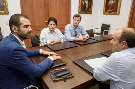 El alcalde emplaza a Gobierno y Junta a encontrar una solución con Cemex