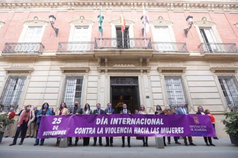 La Diputación recuerda a las víctimas de la violencia de género en la conmemoración del 25N