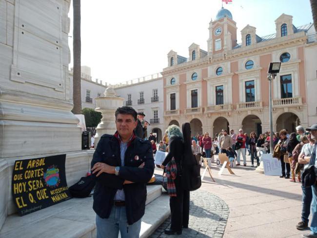 Cazorla avisa de acciones legales por el 'capricho' de la Plaza Vieja