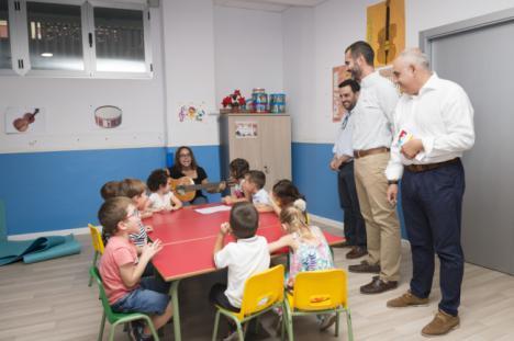 El alcalde visita la EMMA en el inicio del curso, con cerca de 2.500 alumnos