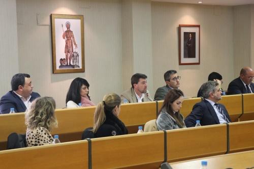 El Ayuntamiento de El Ejido gestiona la creación de más aparcamientos