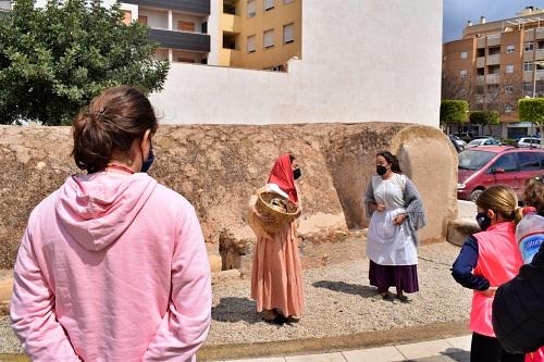 Visitas teatralizadas en El Ejido por el Día Internacional de los Monumentos y Sitios Históricos