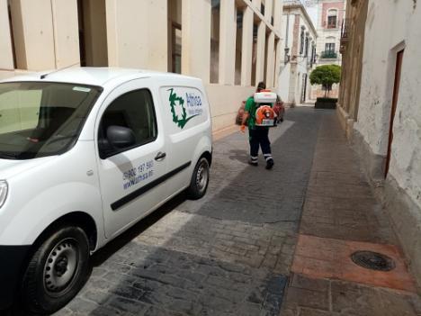 El Ayuntamiento de Almería emplea viricidas en la desinfección contra el #COVID19