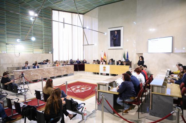 El Ayuntamiento de Almería no embargará las cuentas a deudores en situación de necesidad