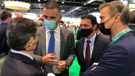 """El alcalde afirma que Almería """"es un modelo agrícola a seguir"""""""
