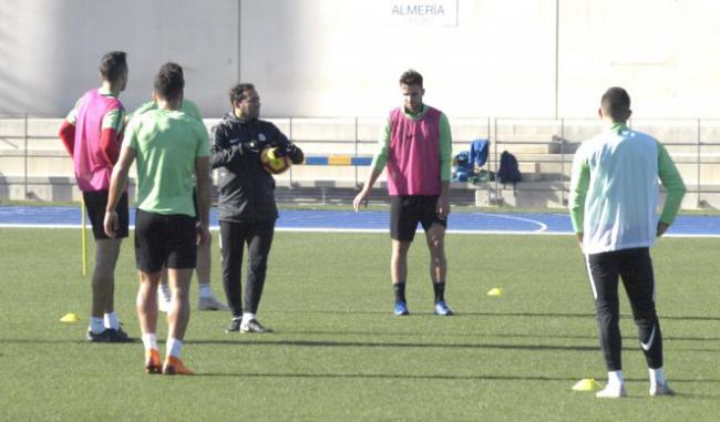 El Almería se prepara para intentar sorprender al Alcorcón en su estadio