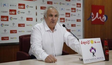 El presidente del Almería reconoce que no hay quien quiera comprar el club