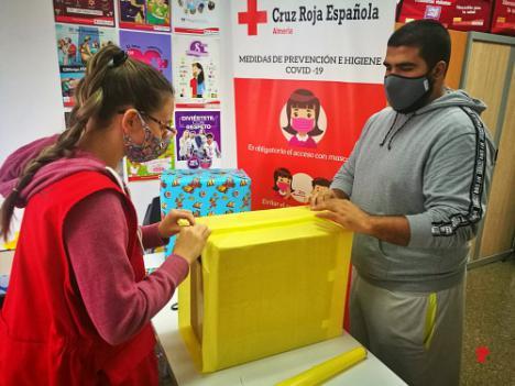 Cruz Roja Juventud recoge casi 1.000 juguetes para más de 900 niños de Almería