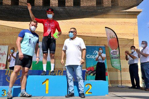 500 ciclistas recorren 118 kilómetros en homenajea los sanitarios y al fotógrafo ejidense Jesús Izquierdo