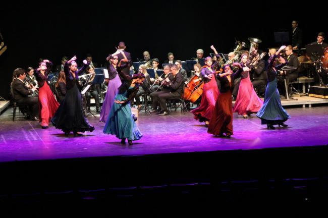 Concierto Banda Sinfónica de El Ejido y la Academia de Danza Susana
