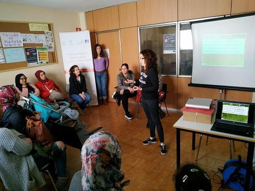 ERACIS lleva la igualdad llegan a todos los barrios de Almería