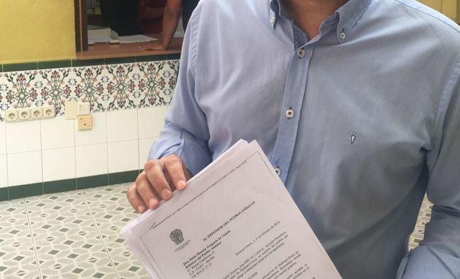 El alcalde de Huércal overa lleva al Defensor del Pueblo el problema del transporte escolar