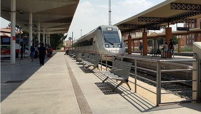 Adif licita tres proyectos de construcción de la línea Alta Velocidad Murcia-Almería