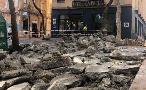 Corte de tráfico en la Plaza del Carmen por obras en la calle Antonio Vico