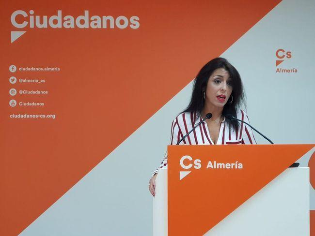 Bosquet critica los 40 años de PSOE tras apoyarles una legislatura