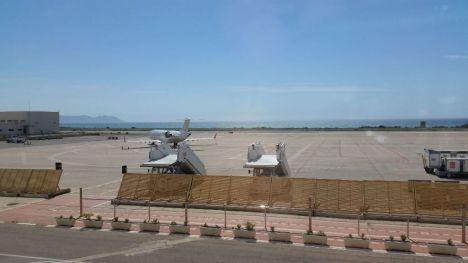 CLH Aviación suministrará el combustible a los aviones de Almería