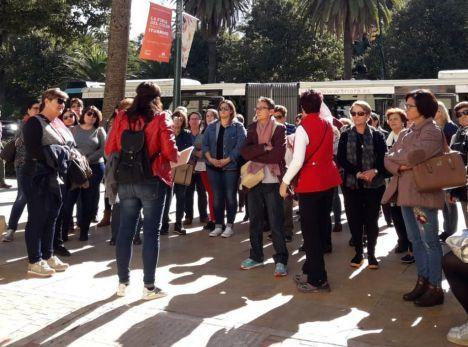 Clara Campoamor o María Zambrano 'enseñan' Málaga a un grupo de mujeres de Níjar