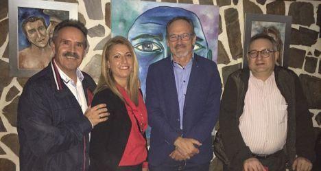 El delegado de Cultura visita la Oficina de Información Turística de Almócita