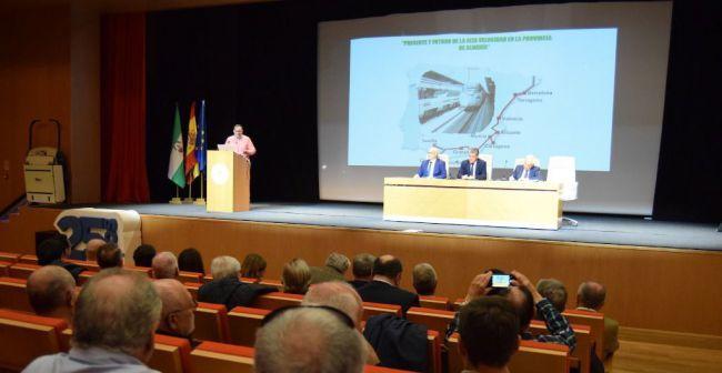 3.000 coches pasan cada día por la Universidad de Almería