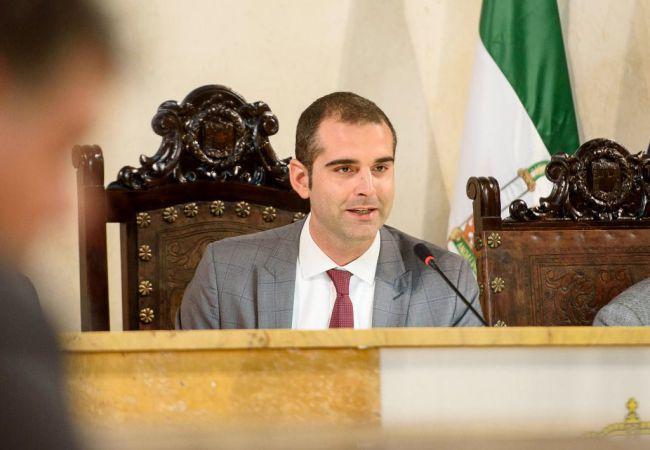 El alcalde de Almería no extrapola el resultado autonómico a las municipales