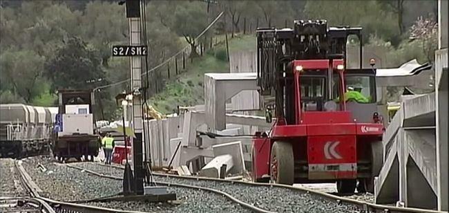 Adif adjudica por 2,2 M€ los desvíos ferroviarios para el ancho convencional Granada-Almería
