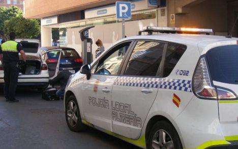 Compran coches de camuflaje para la Policía Local de Almería