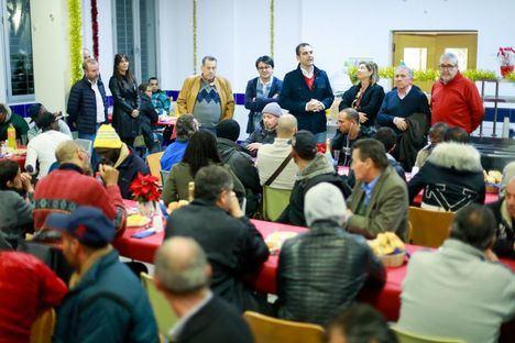 Bomberos, Policía y Centro de Acogida, visita de fin de año del alcalde