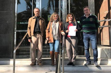 El alcalde de Huécija adjudica a su esposa dos naves tras invertir 200.000 euros en reformas