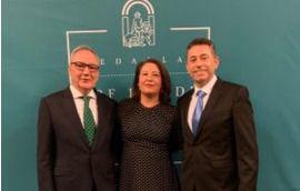 Cosentino Hijo Predilecto y Biosabor medalla en el Día de Andalucía