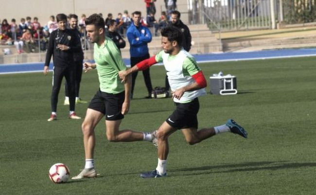 Fran Fernández tiene disponibles a todos sus jugadores.