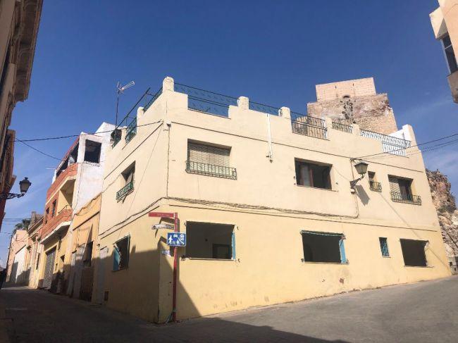 Corte de tráfico en la calle Almanzor por obras