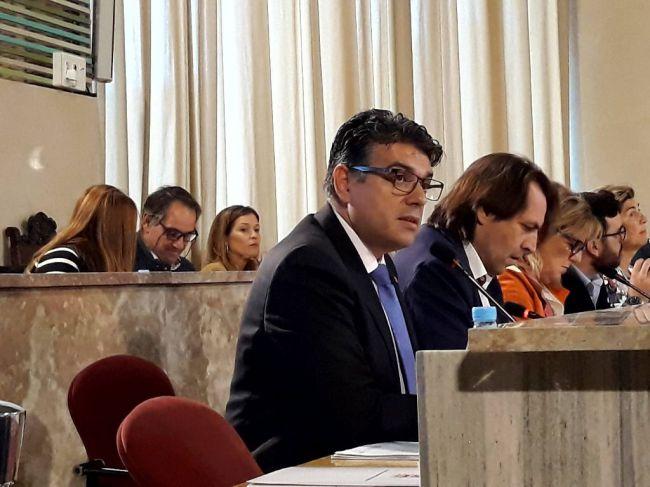 Ciudadanos no duda de la legalidad pero critica las subvenciones mediante convenio