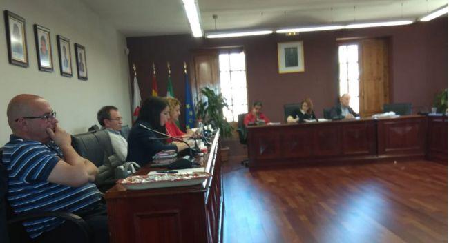 La alcaldesa de Huércal corta a la edil de Cs cuando pregunta por unas facturas impagadas