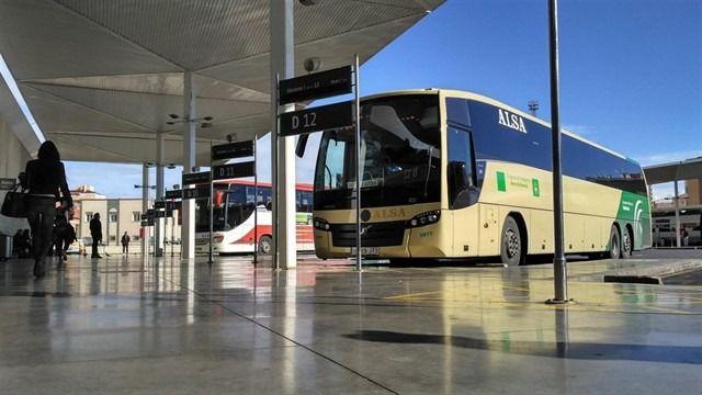 Almería es la provincia andaluza que lidera el incremento de usuarios de autobús