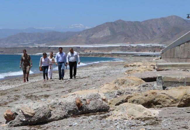 Costas propone retranquear una parte del paseo marítimo de Balerma