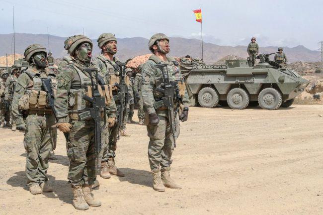Una comisión alemana visita la base de La Legión en Viator para conocer la Brigada Experimental 2035