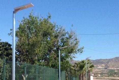 Nuevas farolas solares para ahorrar energía en Cuevas
