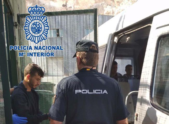 Detenido un paterista que cobró 23.400 euros por cruzar a 9 argelinos