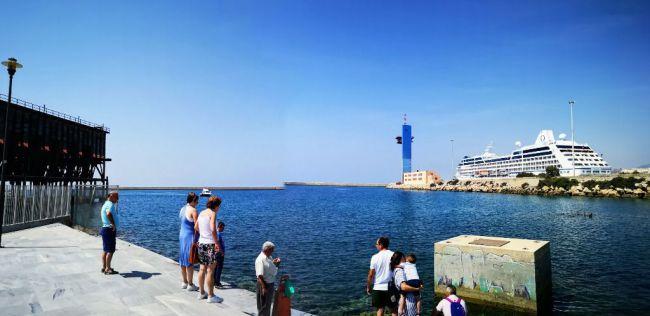 Más de 600 cruceristas del Sirena conocen Almería