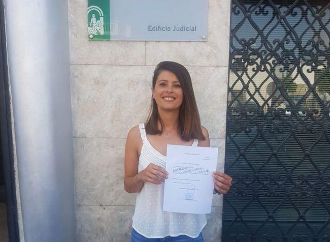 Ángeles Mártinez recoge el acta de diputada