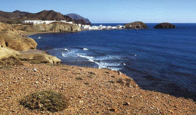 Greenpeace alerta de la amenaza del ladrillo en Cabo de Gata