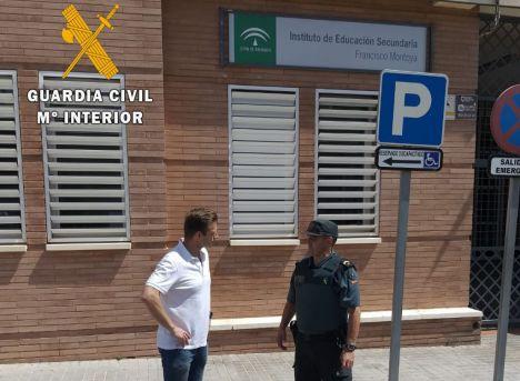 La Guardia Civil detiene a dos menores por el robo de exámenes finales en El Ejido