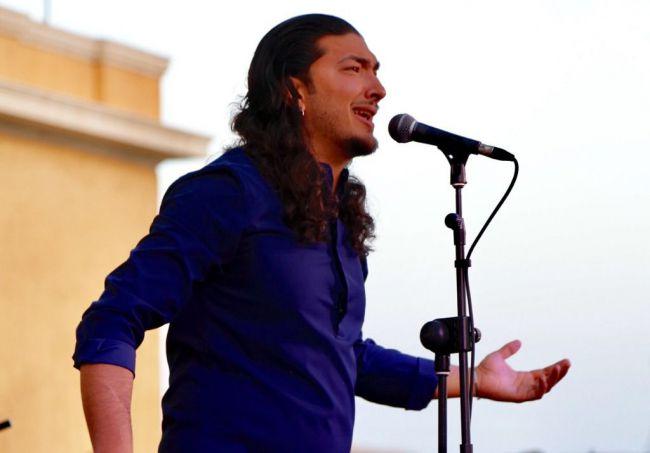 Edu García abarrota la plaza de San Roque con 'Plazeando'