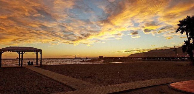 Viernes de olaje en Almería