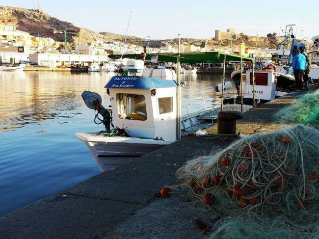 Fomento invierte en seguridad en puertos de Huelva, Cádiz y Almería