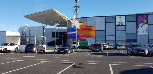 Dónde comprar en domingo y festivos este verano en Almería