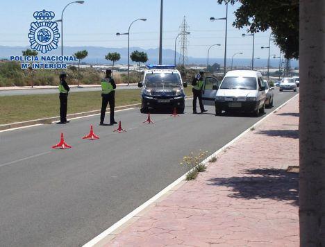 Policías de Granada y Madrid colaboran en el dispositivo de la feria de Almería