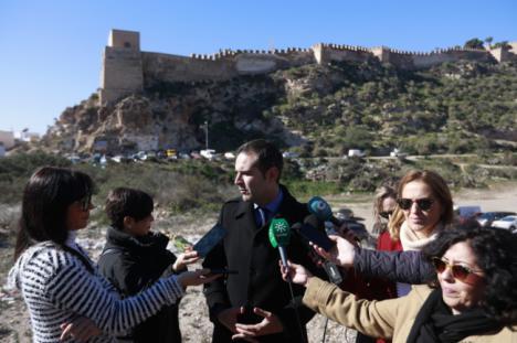 """El alcalde valora de manera """"muy positiva"""" el plan de inversión para la Alcazaba"""